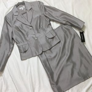 NWT Danillo 2-Piece Skirt Suit & Blazer